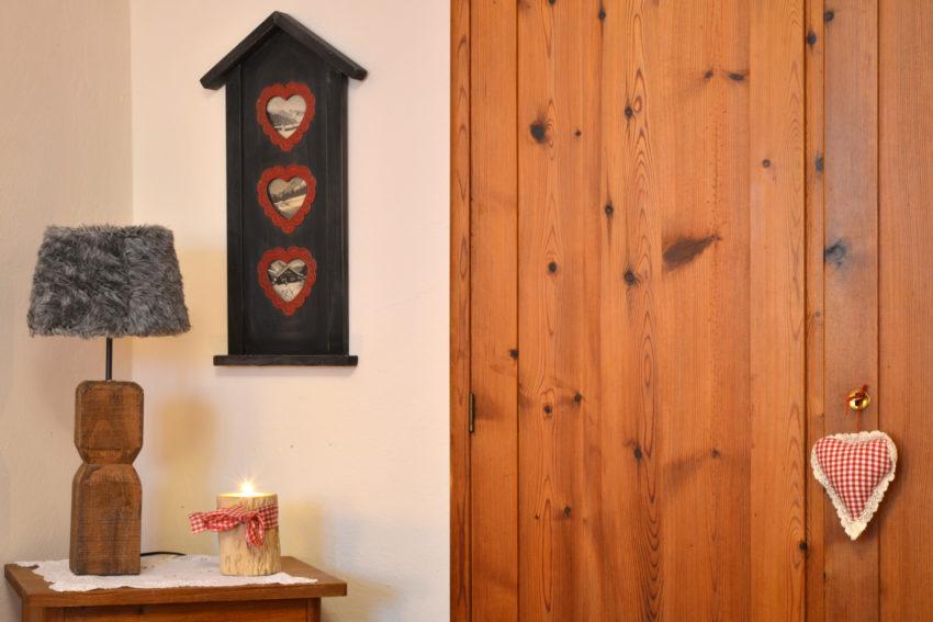 Pircher-Maes Appartements - Naturmöbel im Appartement Tirol