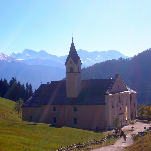 Appartement Tirol - Wanderung zum Kloster Maria Waldrast