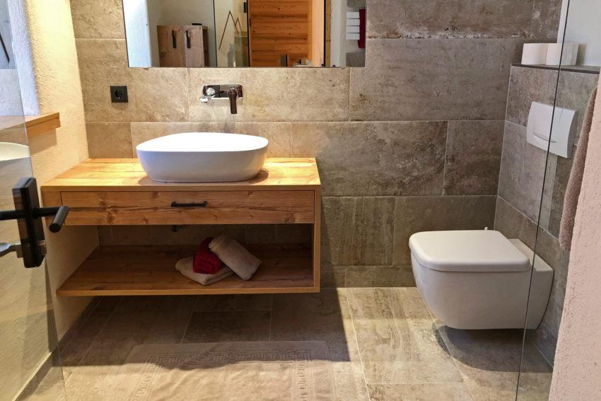 Appartement Pircher-Maes in Telfes im Stubaital Badezimmer mit WC