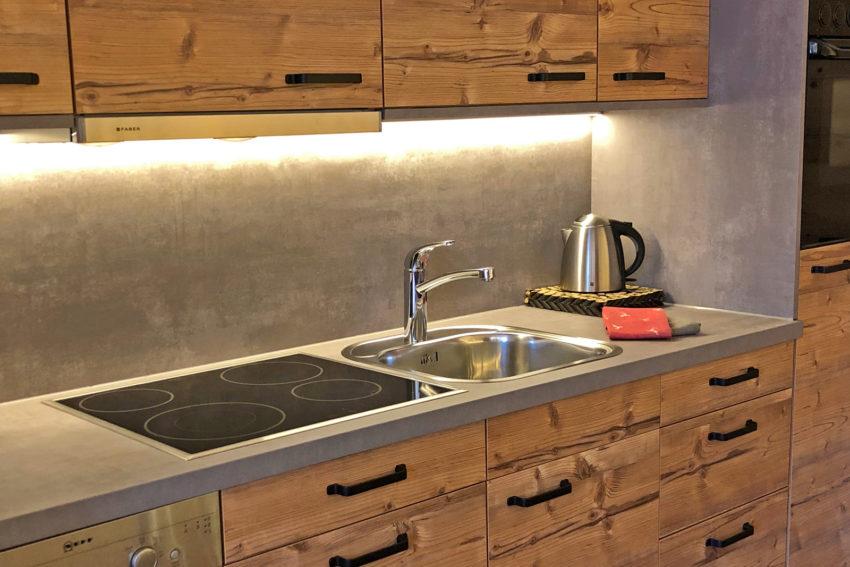 Ferienwohnung Pircher-Maes vollausgestattete Küche im Appartement Stubai